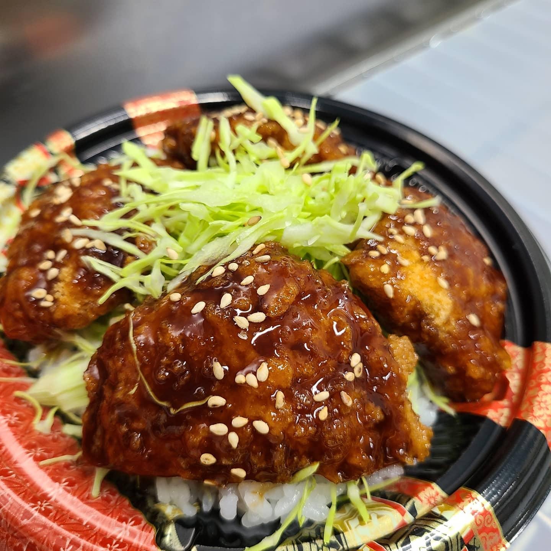◎今日のお弁当  ・ソースカツ丼 ・チキンソテー弁当 ・野菜炒め弁当 ・焼き魚弁当 ・オムライス