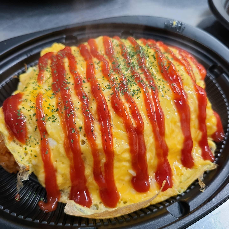 ◎本日のお弁当  ・一番人気のオムライス ・天丼 ・ハンバーグ弁当 ・鳥の照り焼き弁当