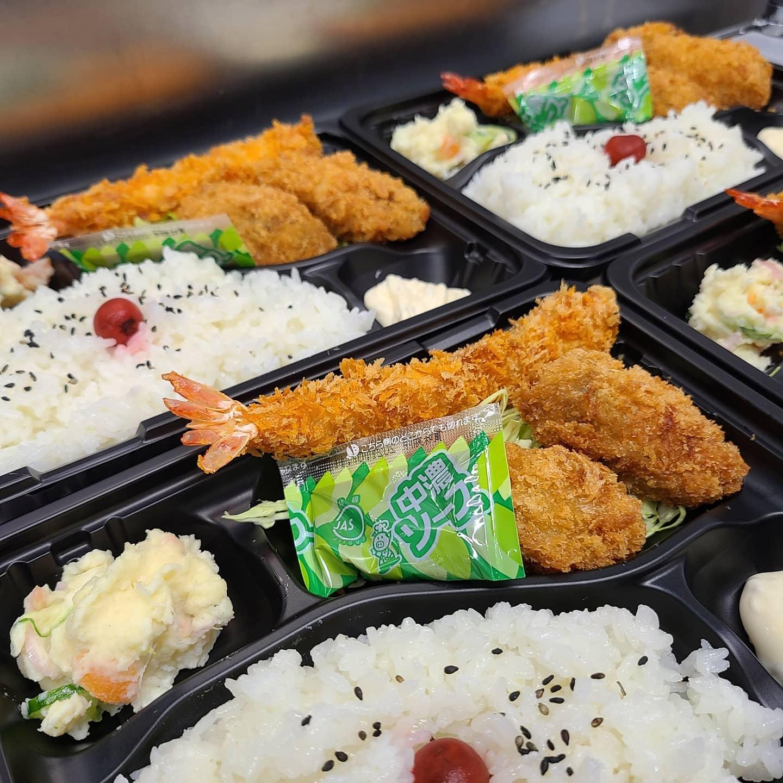 ◎今日のお弁当  ・えび&かきフライべんとう ・ローストビーフ丼 ・カツ丼 ・豚ともやしのとろとろ弁当