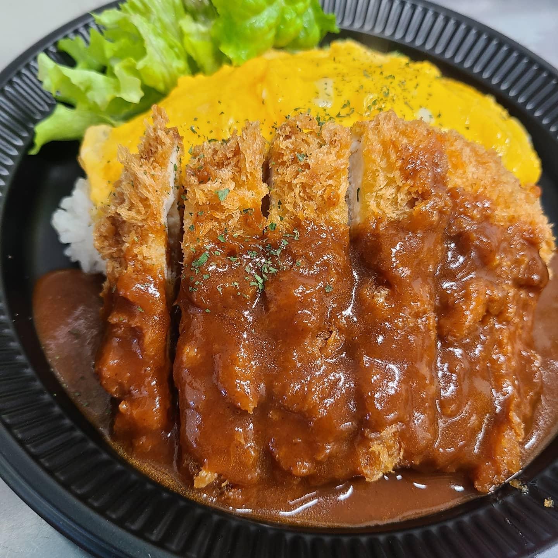 ◎今日のお弁当  ・デミたまチキンカツプレート ・唐揚げのさっぱりトマトソース弁当  ・シュウマイ弁当 ・オムライス