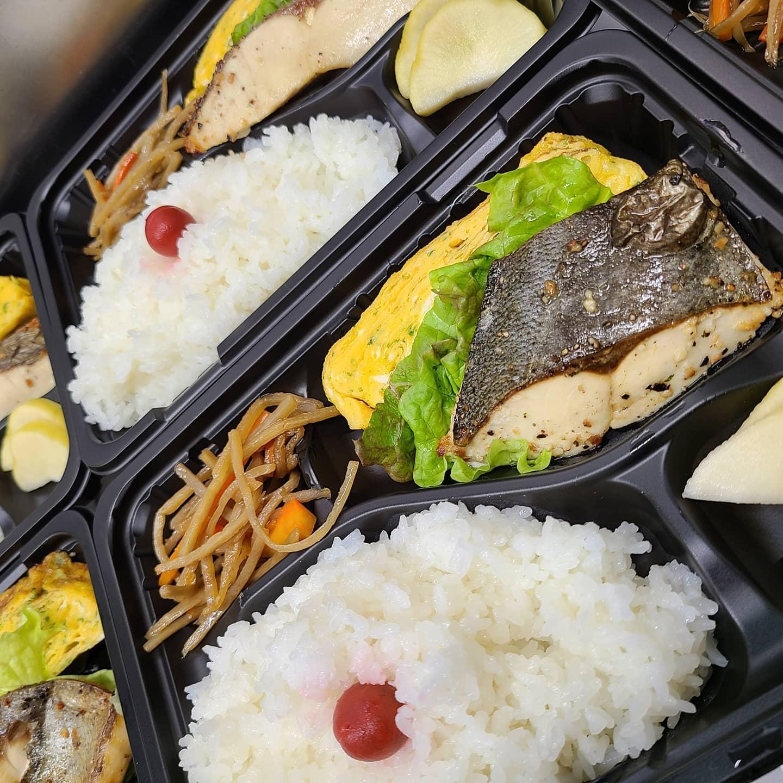 ◎今日のお弁当  ・白身魚と自家製卵焼き弁当 ・ハンバーグ弁当 ・牛サガリ丼