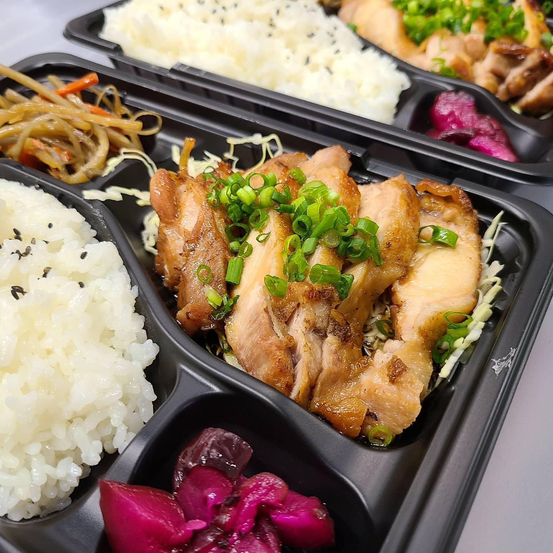 ◎今日のお弁当  ・鶏の照り焼き弁当 ・ローストポーク丼 ・和牛の焼き肉弁当  ・とんかつ弁当 ・さばの生姜煮弁当 ・オムライス