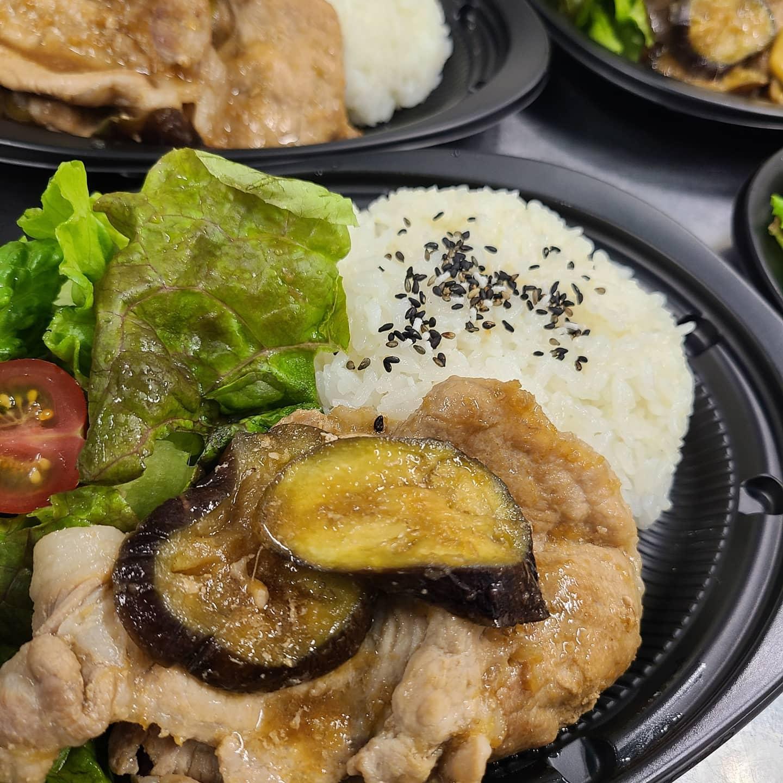 ◎今日のお弁当  ・しょうが焼きプレート ・焼き魚弁当(カレイの西京味噌) ・ローストビーフ ・オムライス