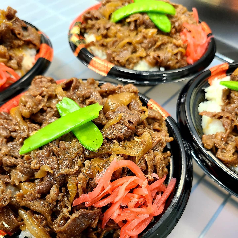 ◎今日のお弁当  ・牛のしぐれ煮丼 ・ねぎ塩豚カルビ丼 ・オムライス ・野菜カレー ・空芯菜とふだの炒め弁当
