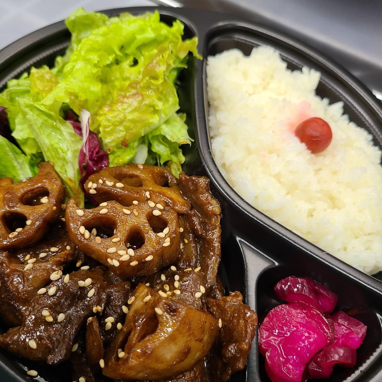 ◎今日のお弁当  ・牛と野菜甘辛味噌弁当 ・焼き肉弁当 ・唐揚げの甘辛味噌弁当 ・ローストビーフ丼