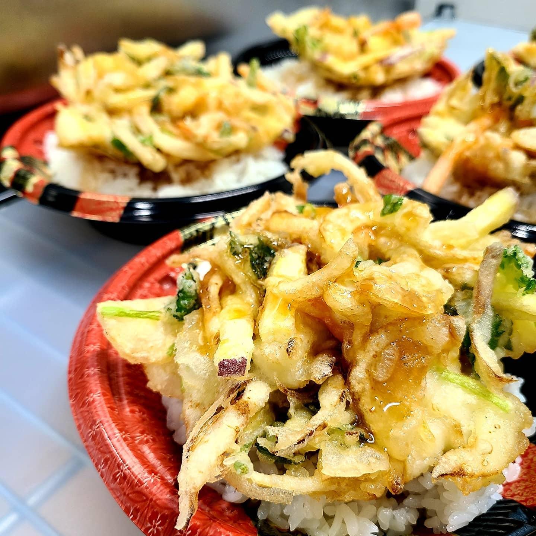 ◎今日のお弁当  ・かき揚げ丼 ・しゃけコロ弁当 ・ガパオライス ・魯肉飯(ルーローハン) ・エビチリ弁当