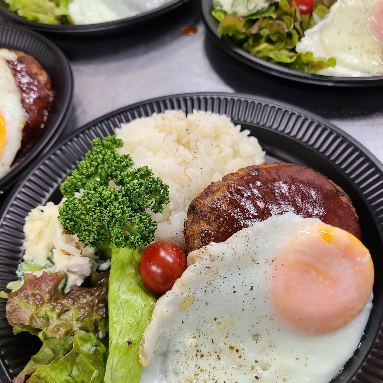 ◎今日のお弁当  ・ロコモコ ・ねぎ塩レモン豚カルビ丼 ・中華あんかけ丼 ・スタミナ焼き弁当
