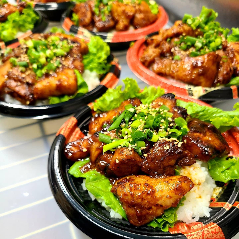 ◎今日のお弁当  ・三元豚の金山寺みそ焼き丼 ・牛丼 ・アスパラと竹の子のオイスター炒め弁当 ・さばの西京焼き弁当 ・甘辛だれ唐揚げ弁当