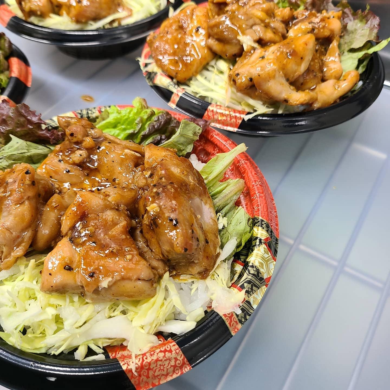 ◎今日のお弁当  ・山賊焼き丼 ・ねぎ塩豚カルビ丼 ・ソースカツ丼 ・野菜そぼろあんかけ丼 ・厚切り生姜焼き弁当